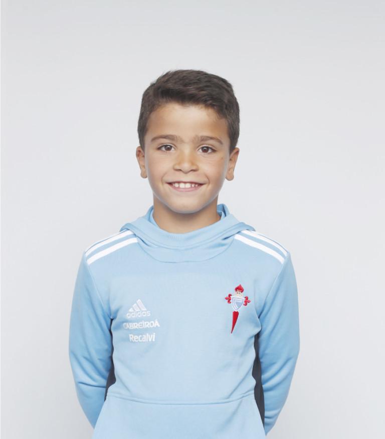 Imágen del jugador Nicolás Pérez posando