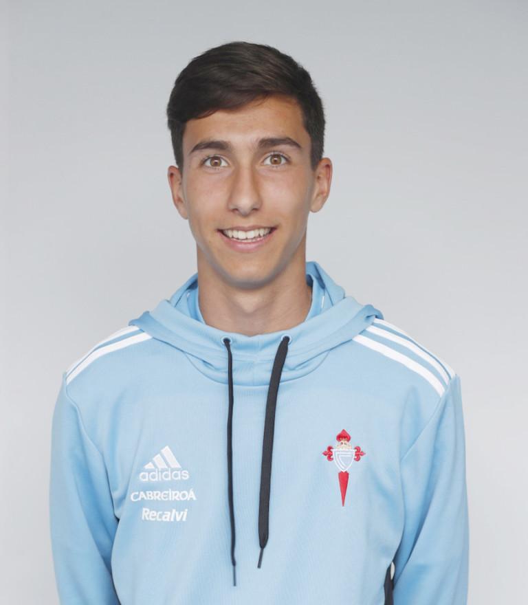 Image of Alejandro de Francisco player posing