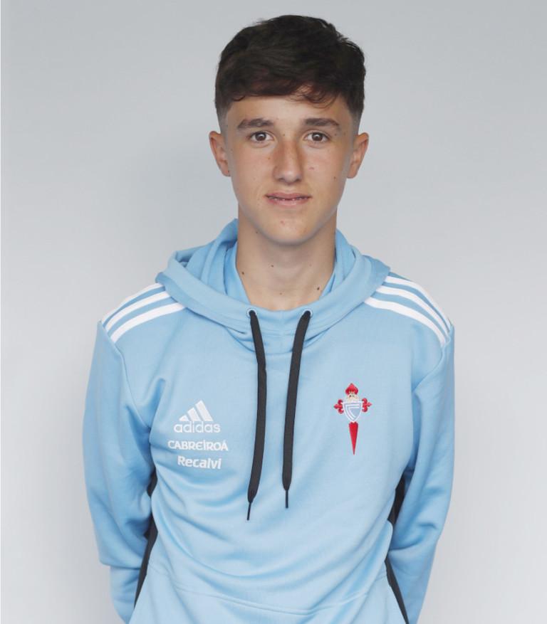Image of Azael García player posing