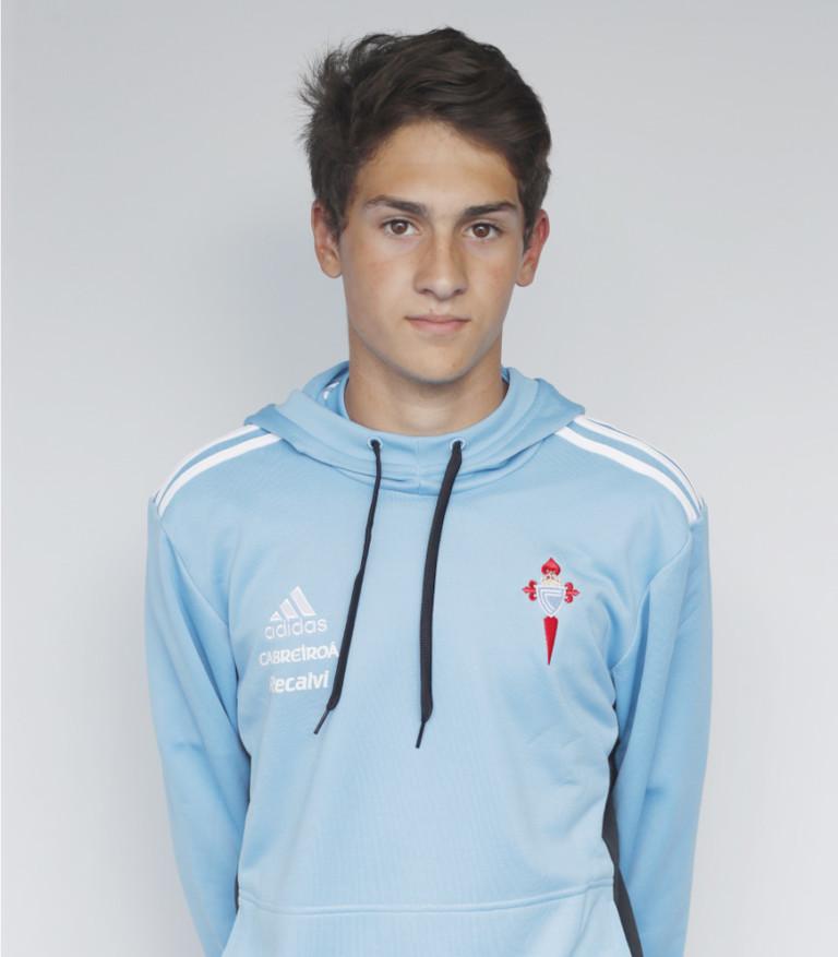 Image of Iker Baltar player posing