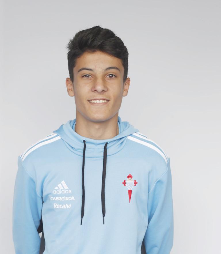 Image of Manuel Figueroa player posing