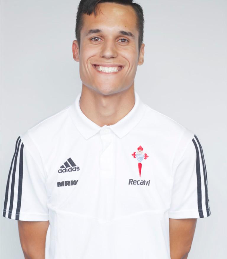 Imágen del jugador Alejo Mouriño posando