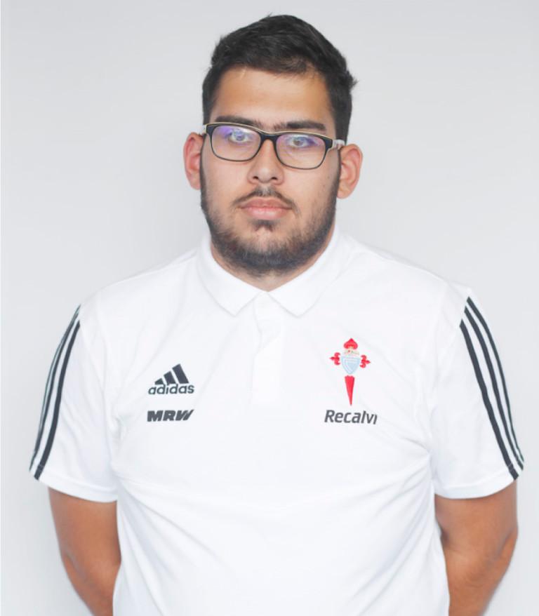 Imágen del jugador Iván Matalobos posando