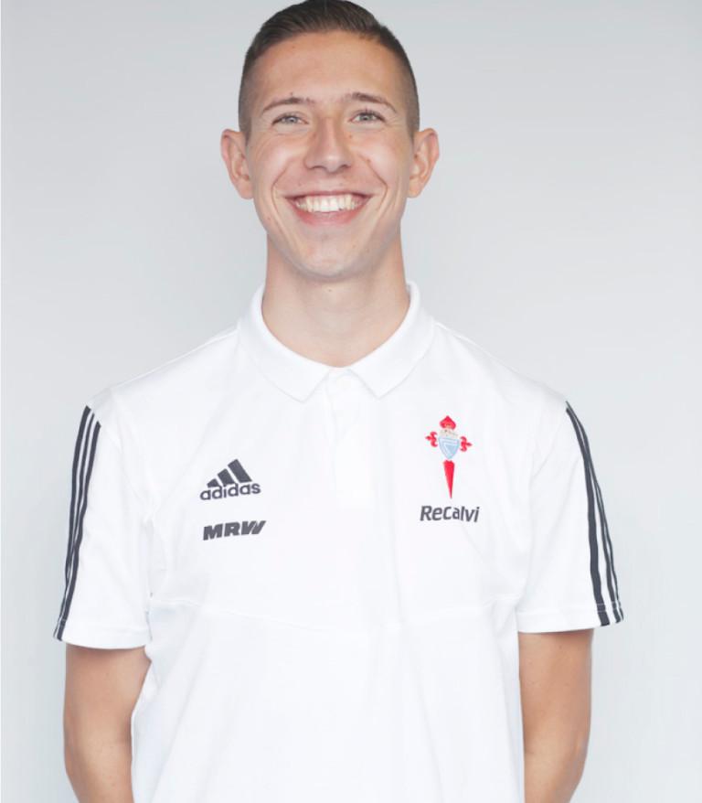 Imágen del jugador Pedro Hernández posando