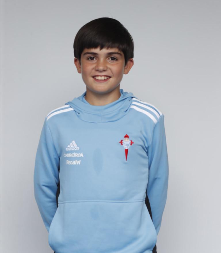 Imágen del jugador Anxo Rodríguez posando