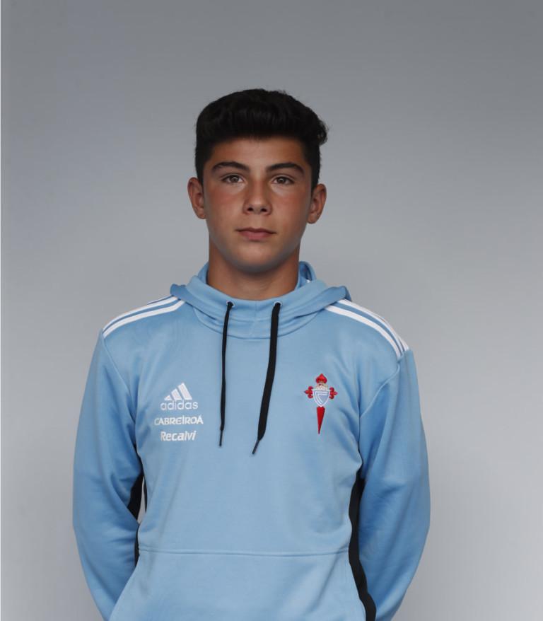 Imágen del jugador Roi Rodríguez posando