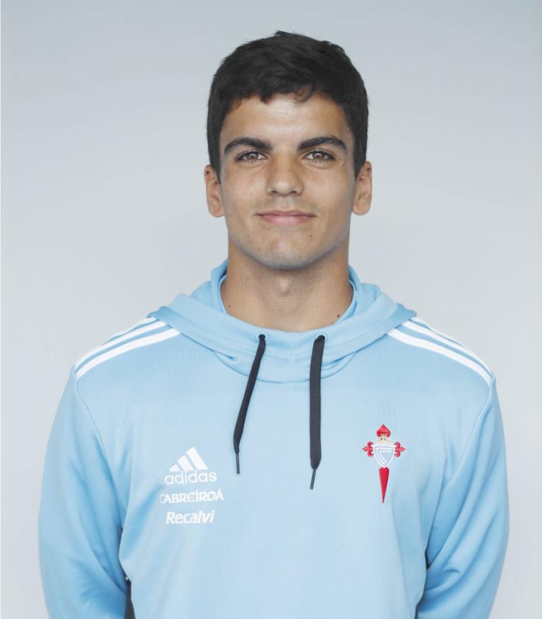 Image of Damián Rodríguez player posing